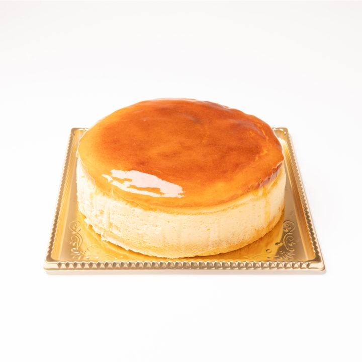 3種のチーズを使用したチーズケーキ デコレーションケーキ